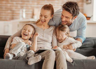 Tratament pentru cicatrici în varicelă și familia este fericită!